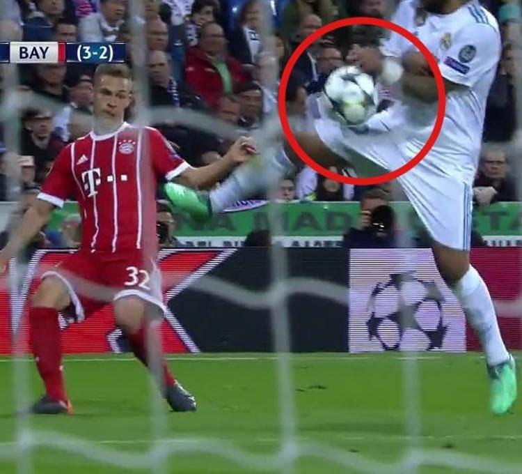 Topic para contabilizar los robos del Real Madrid - Página 8 DcIsMGmWsAEov__