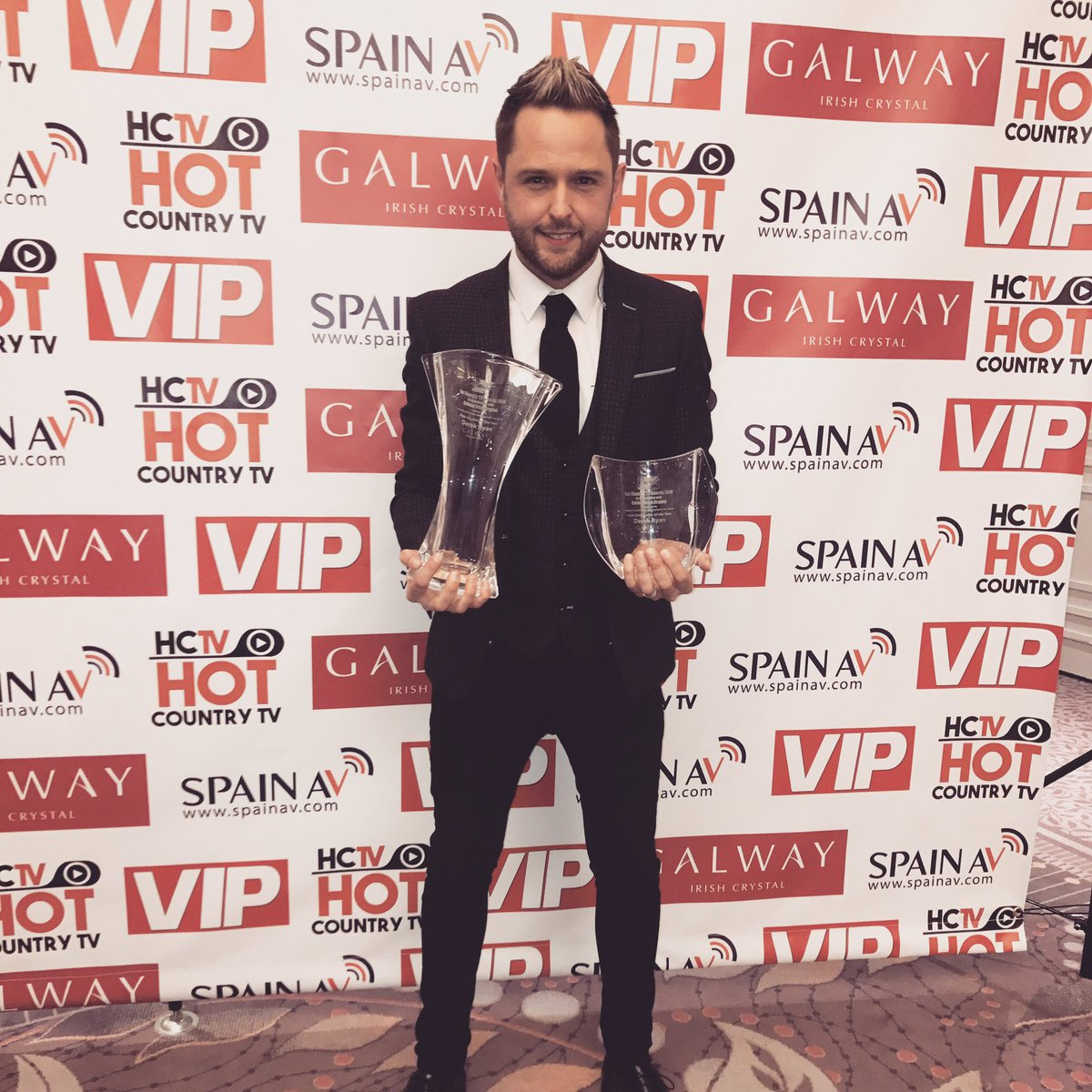 Delighted with my 2 awards at the @HotCountryTV2 TONIGHT. #IrishSongwriterOfTheYear #MaleVocalistOfTheYear <br>http://pic.twitter.com/2rcEDH3YbC