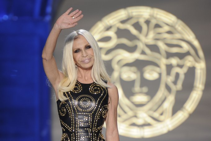 ""\""""Creativity comes from a conflict of ideas.""""  Happy birthday to the forever stylish, Donatella Versace""680|453|?|en|2|82763f7a3d65f69697309681a4044802|False|UNSURE|0.3205535113811493