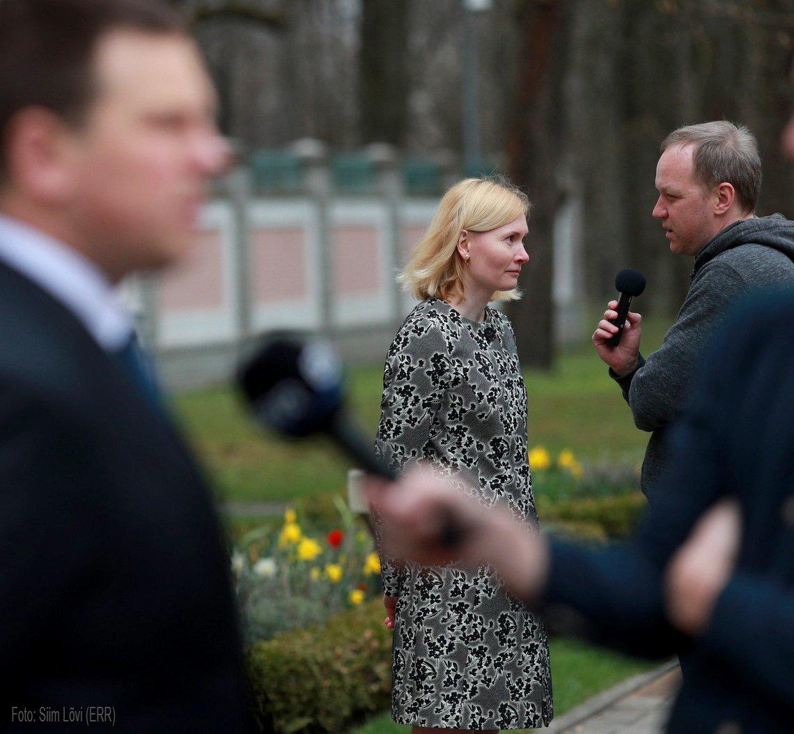 President Kersti Kaljulaid kinnitas täna ametisse uued ministrid ning uueks tervise- ja tööministriks sai Riina Sikkut. Meie saatejuht Timo viis temaga läbi ka põhjaliku intervjuu, mida saate kuulda kell 14.15.   Kuulake otse siit:  https://t.co/IpPYxtMMqE https://t.co/PtLOndY3Bf