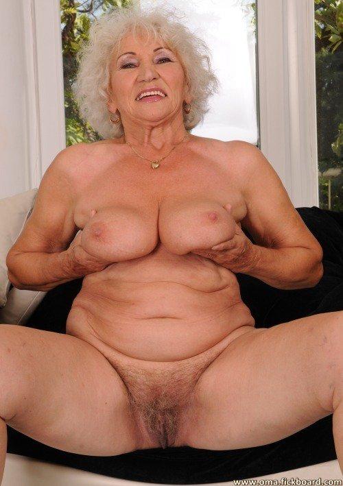 Latino Granny Bruenette Gruppensex