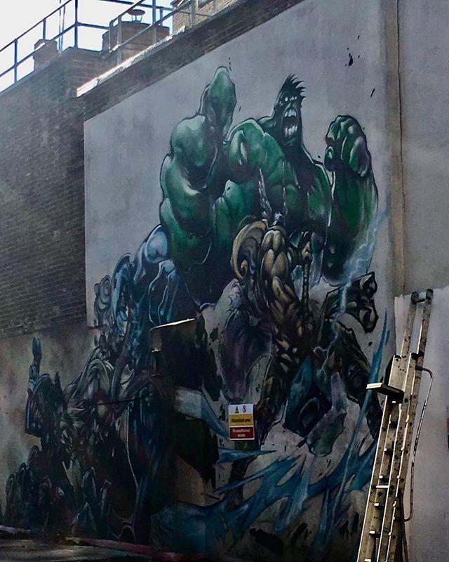 This is in a deserted area behind locked gates so is the best I could get with my hands through the bars #graffiti #graffitiart #sprayart #wallart #mural #londongraffiti #globalart #comic #comicvillain #comichero #incrediblehulk #strong #violence #fighti… https://ift.tt/2jp7dKd