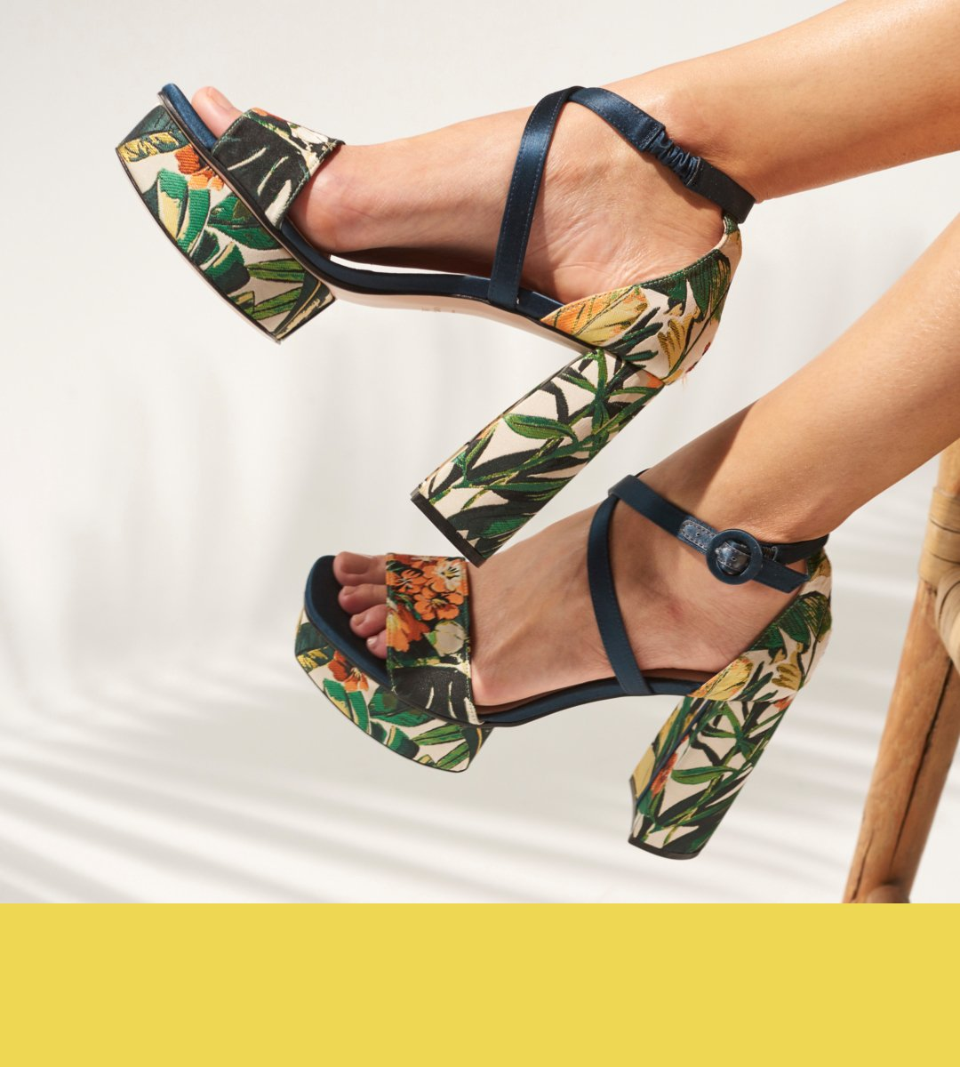 91ec87a524c Take sandals to a new level.  CARLA  StuartWeitzman https   bit.ly 2pwGeQv  pic.twitter.com QJzwp1nRvg