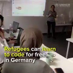 👩🏻💻Technology classes + 🤝networking groups are helping refugee women integrate and rebuild their lives in Germany trib.al/Ym2coAQ