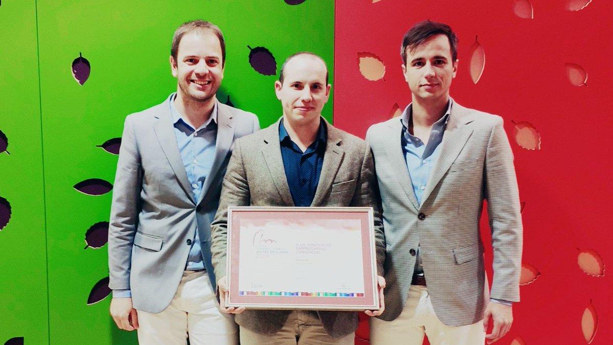 La Paeria distingeix  a Blackpier amb el premi a la innovació empresarial comercial   https://t.co/GI5H3sGDdF https://t.co/xOct6hzPT8