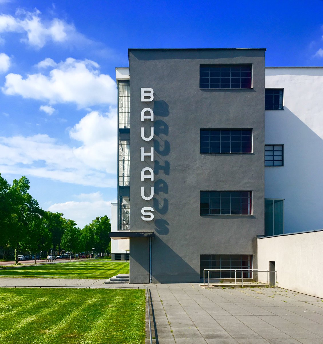 Bauhaus logo on the building, designed with the sun's movement in mind. #Bauhaus https://t.co/OLMMURYJWP