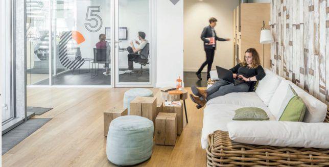 Open space dans les bureaux de technip à lyon france