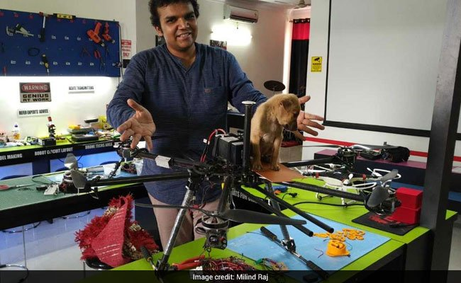 Lucknow man saw puppy trapped in drain. He built a drone to save it https://t.co/c568Japk3b
