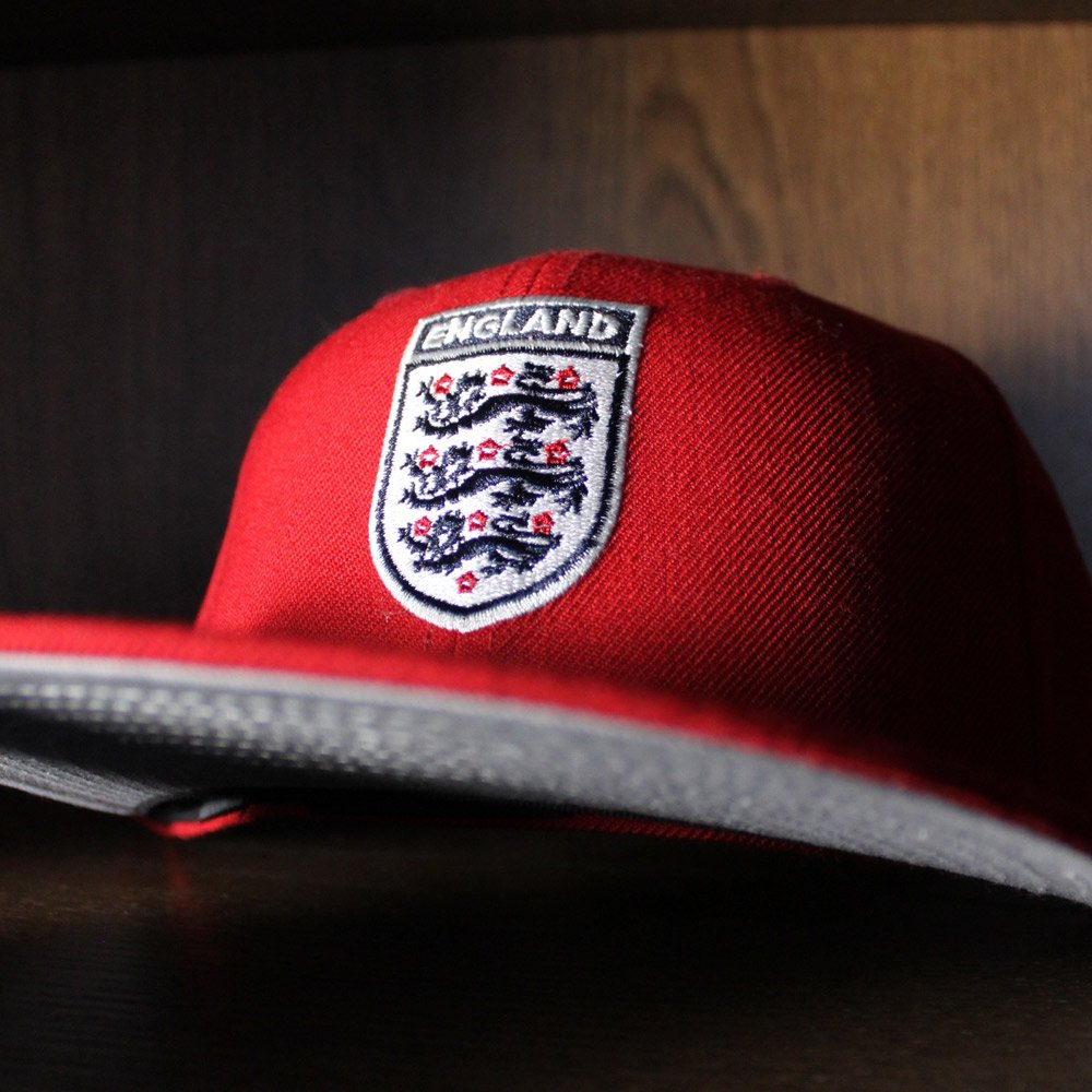 5c724361d81fe England Soccer Crest New Era Fitteds (Gray Bottom) http   www.