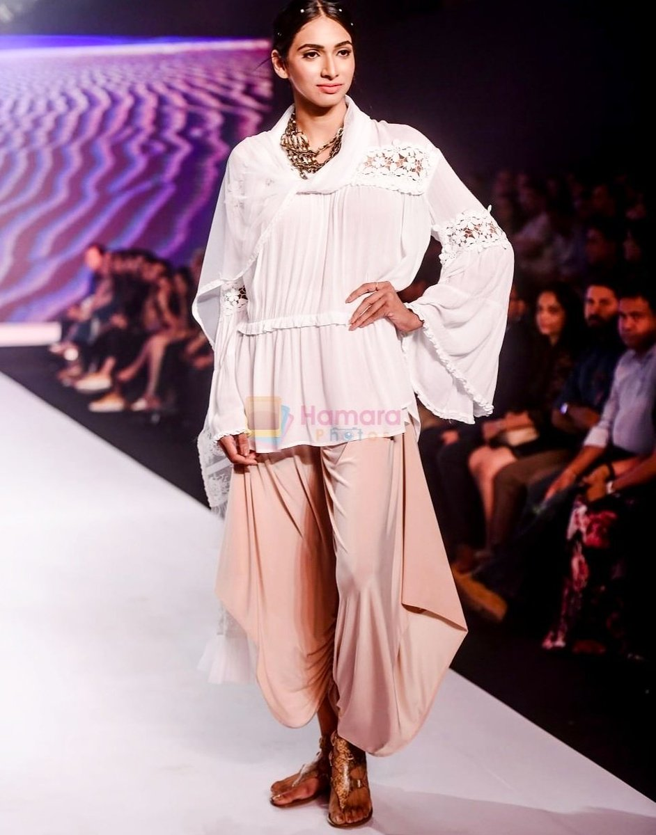 Rina Dhaka On Twitter Presenting Rinadhaka And Poonamsoni Soni At Bombaytimesfashionweek Springsummer2018 Tresmode Footwear Inifdbandra Knowledgepartner Bombaytimes Fashiinweek Inifdmumbai Mumbai Iamelnaaz India Fashiondesign