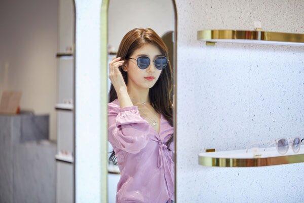 d7ba002cb1  PIC  Suzy at Carin Hongdae Lounge  Suzy  BaeSuzy  수지  배수지  Carin  카린pic. twitter.com cUx9Zkf4Hp