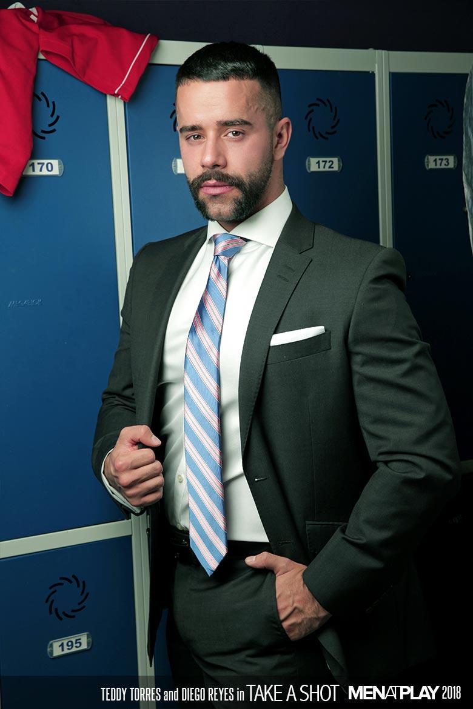 Menatplay suit