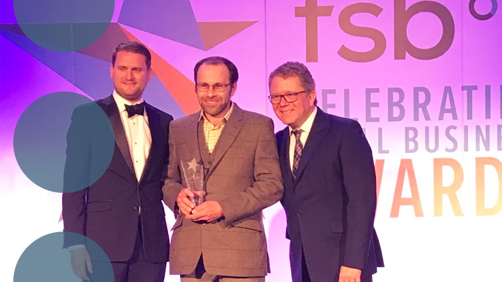 Congratulations to all the businesses that won at last nights FSB Small Business Awards. A special congratulations to @RosewoodFarms who won the Ethical - Green Business award which we were proud to sponsor. @FSB_Voice #FSBAwards