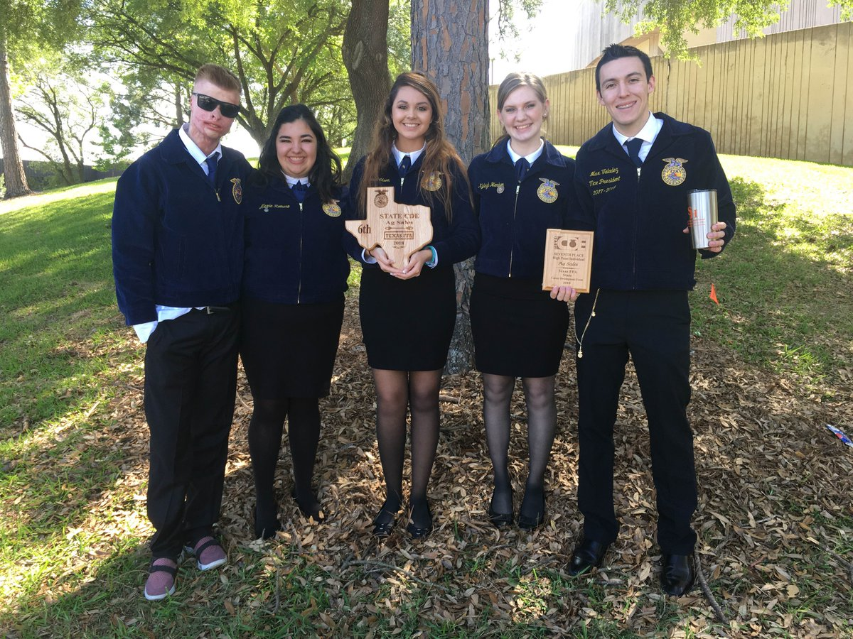 2882df4c4ae0 ... Agricultural Sales Team on their 6th place at State competition. Team  Members include: Kaden Bradley, Alexia Romero, Savannah Olson, Kyleigh  Hemken, ...