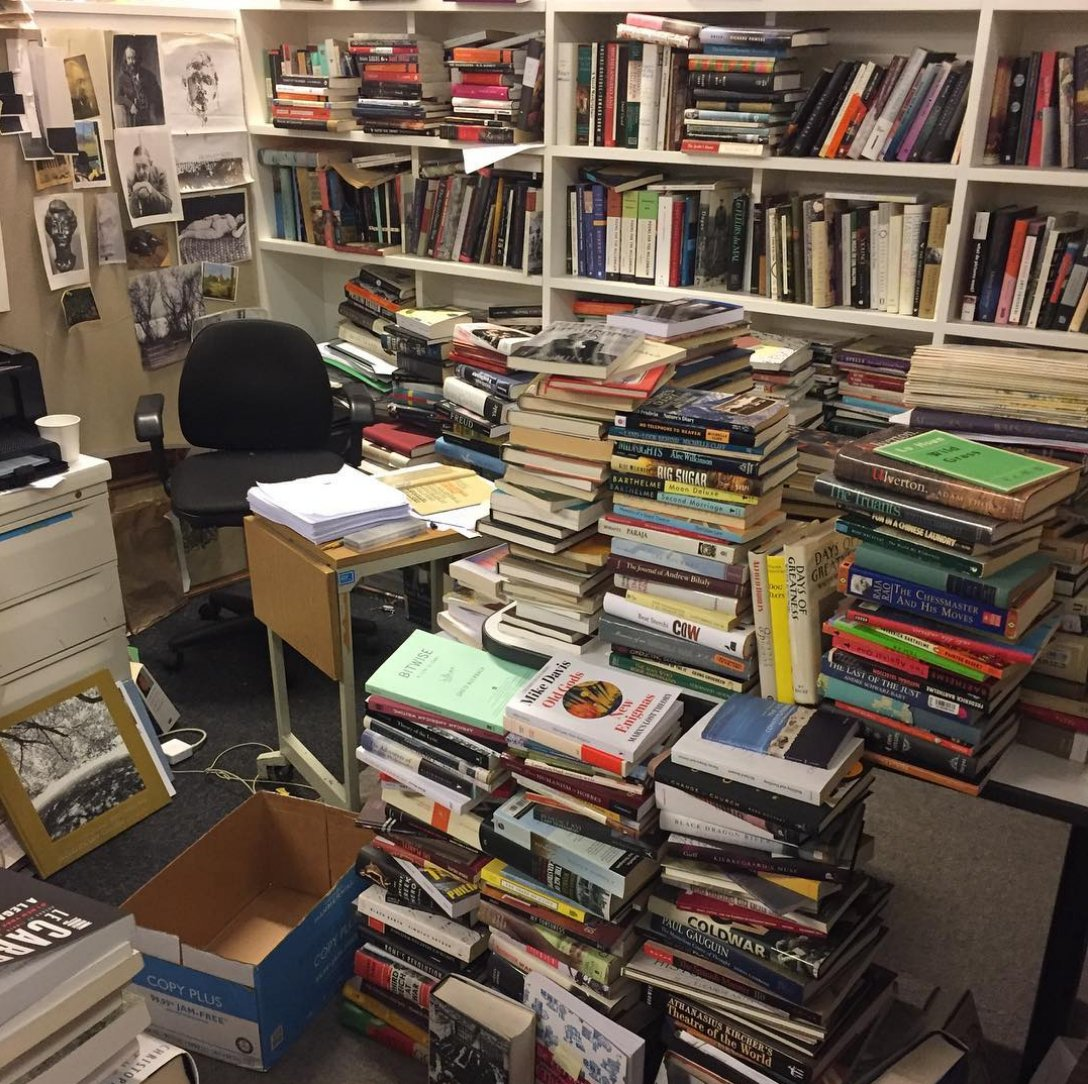 Who wore it messier? The @nybooks editorial office or the NYRB Classics editor's office? https://t.co/wN3yLcNCfZ https://t.co/tLCTUcYT88