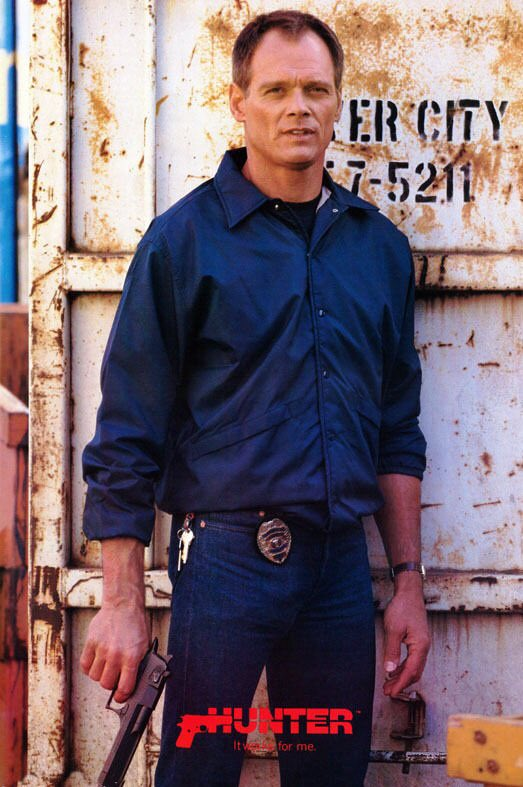 """@MyFavMurder @Billyjensen Karen you mentioned Paul Holes looking like 80s TV cop """"Hunter"""" (Fred Dryer) and I had a flashback of sitting next to my parents and watching this show with them as a little kiddo. Now I can't unsee their similiarities: Sgt Rick Detective Paul Hunter Holes!!!!"""