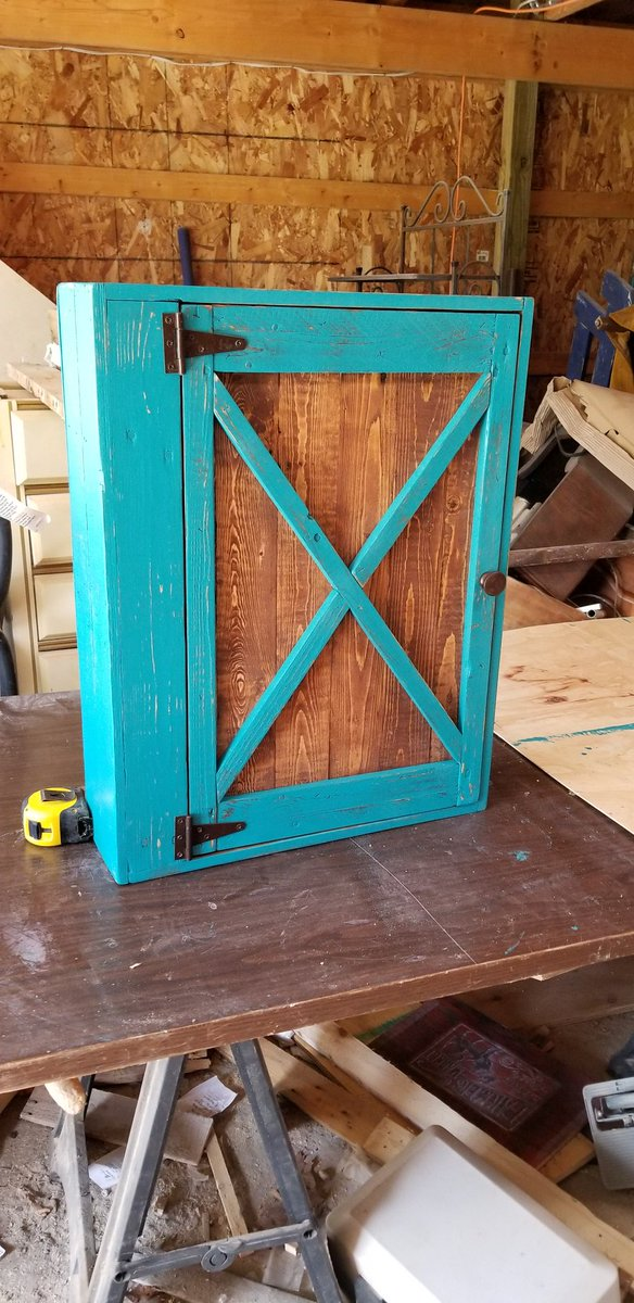 Uzivatel Bearwood Reclaimed Na Twitteru Never Thought I Ll Build Another Medicine Cabinet Until Someone Order In Etsy From Oregon Teal Color Again Lol Bearwoodreclaimed Pallet Palletwood Palletfurniture Palletcabinet Cabinet