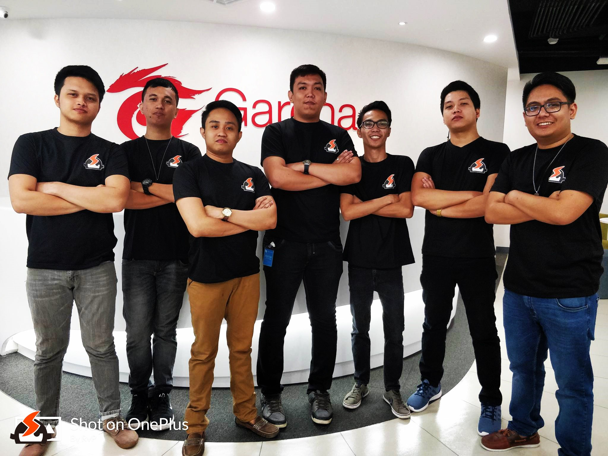 SG Halo team consisting of SG Jack, SG Qitz, SG RvP, SG Markky, SG Jrae, SG Jido, and SG Relax