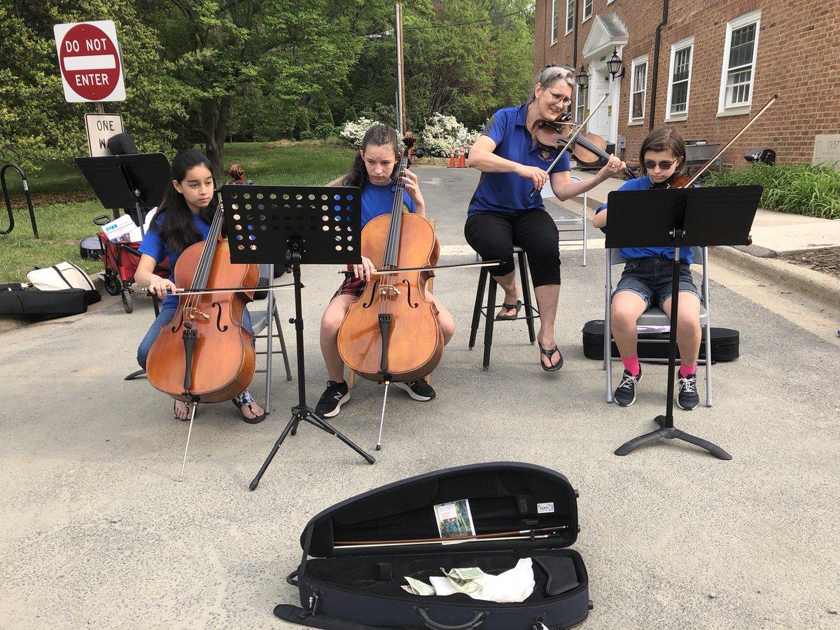 <a target='_blank' href='http://twitter.com/JeffersonIBMYP'>@JeffersonIBMYP</a> 6th grade orchestra students playing at <a target='_blank' href='http://twitter.com/fallschurch'>@fallschurch</a> farmets market. <a target='_blank' href='http://search.twitter.com/search?q=APSisAwesome'><a target='_blank' href='https://twitter.com/hashtag/APSisAwesome?src=hash'>#APSisAwesome</a></a> <a target='_blank' href='http://twitter.com/StringsTeacher'>@StringsTeacher</a> <a target='_blank' href='https://t.co/fuTSXOXoiJ'>https://t.co/fuTSXOXoiJ</a>