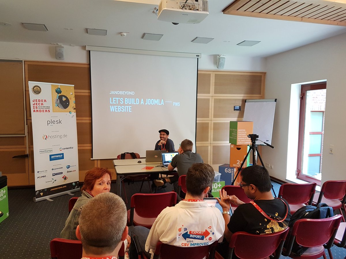 @dgrammatiko is talking about the importance of a speedy page at #jab18. And how you can do that in #joomla3. <br>http://pic.twitter.com/QHHRU39SUv