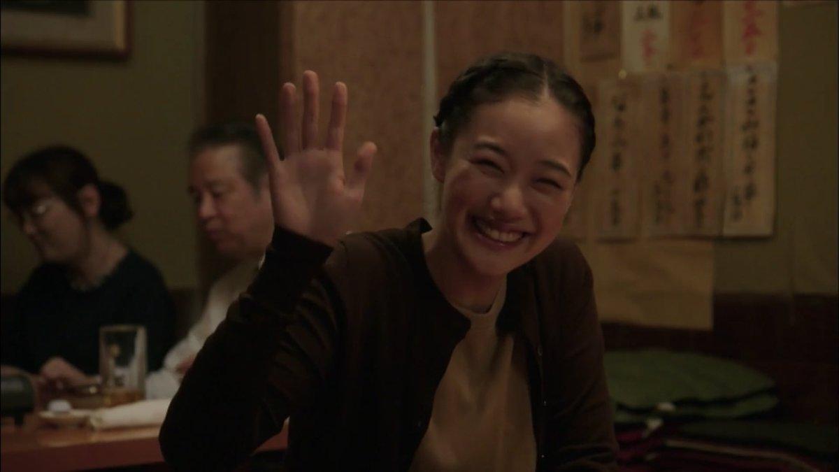 中野靖子役を演じる蒼井優