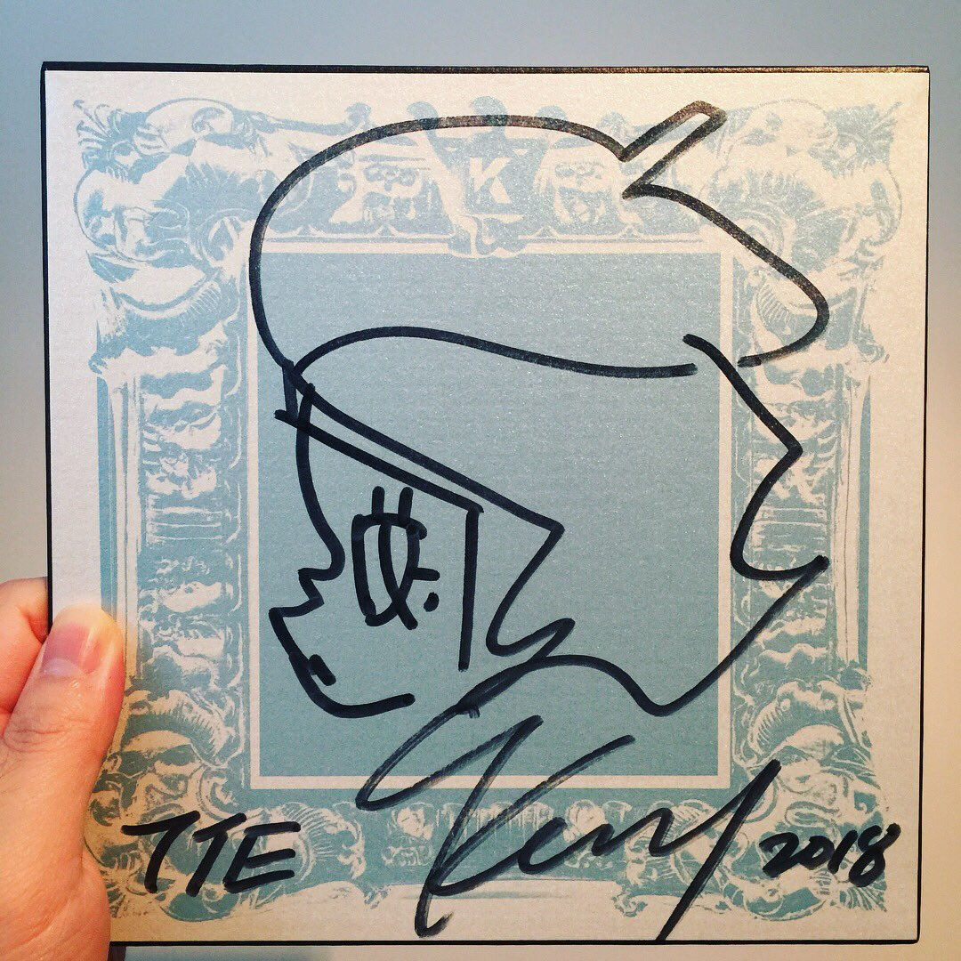 Thank you Kenny @kennyswork2006 for the autograph😊 #kennyswork #kennysworkmolly #kennywong #molly #thankyoukenny #autograph #sketching #thailandtoyexpo #thailandtoyexpo2018 #tte #tte2018 #designertoy #softvinyltoy #arttoy https://t.co/8btZjED8SH