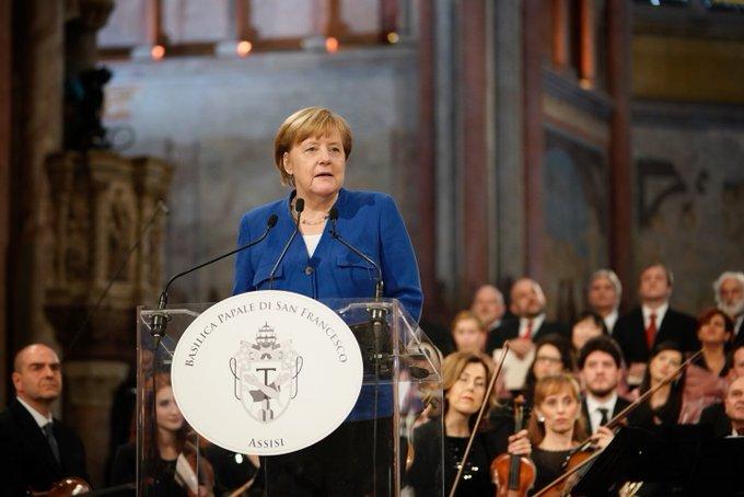 Kanzlerin Merkel bei ihrer Rede in Assisi