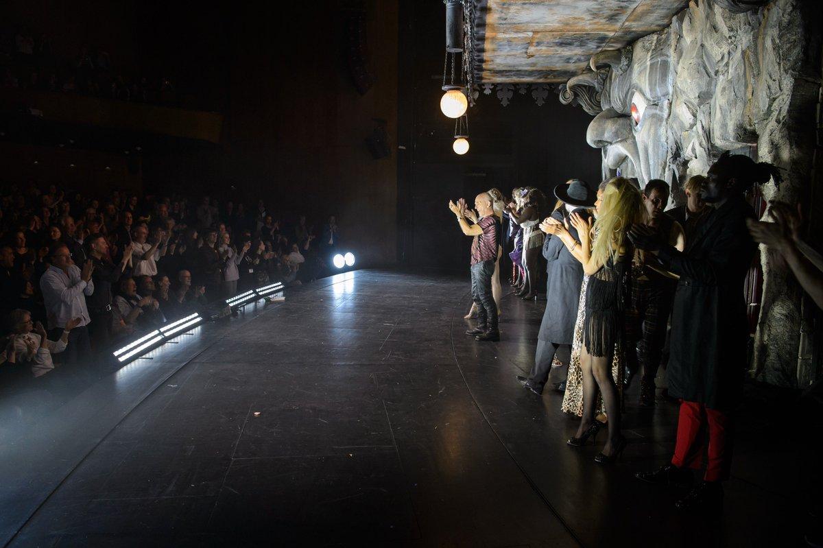 Einige Impressionen aus dem wunderbaren #theatertreffen-Eröffnungsabend! #eröffnung #faust #castorf #endlichgehteslos #theaterdersuperlative https://t.co/7xiNn2oKdD