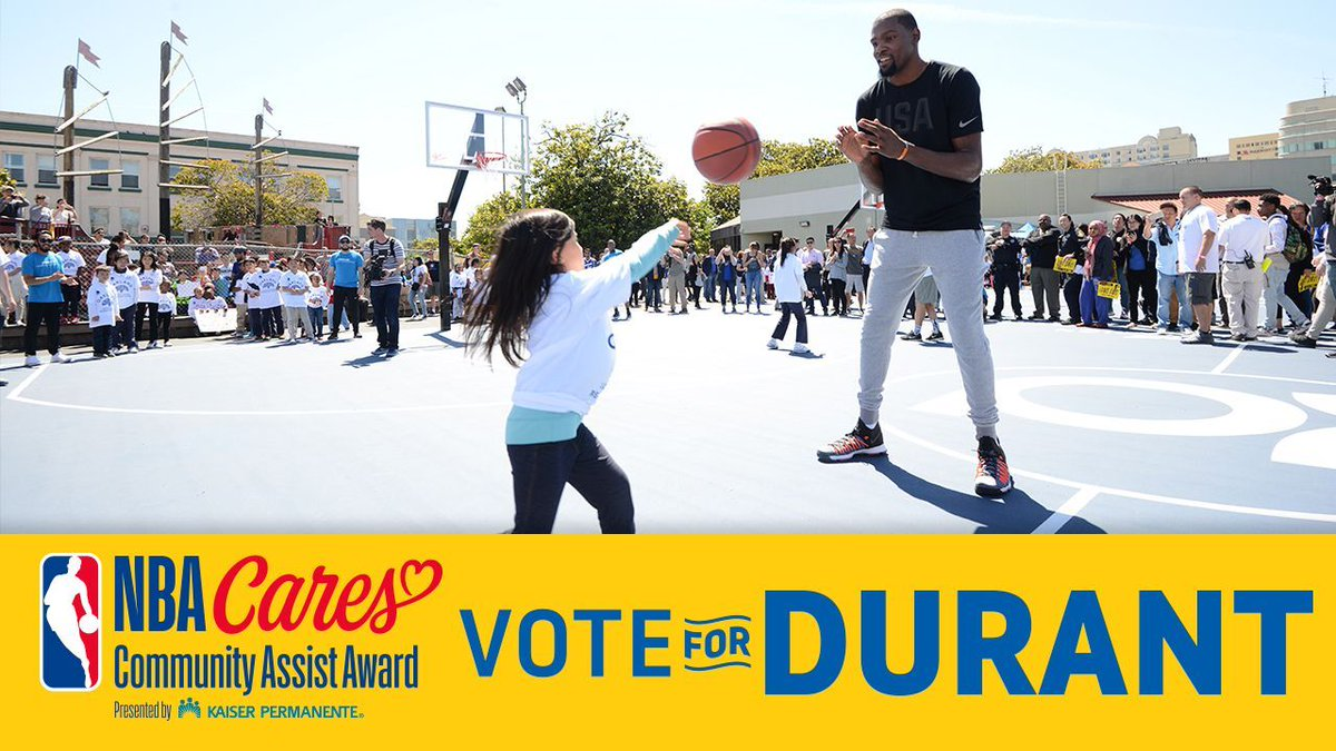 """I'm grateful to give back in so many ways....it means a lot to me to have played a small part in people's lives"" - #KevinDurant  #NBACommunityAssist  👉RTs = Votes👈"