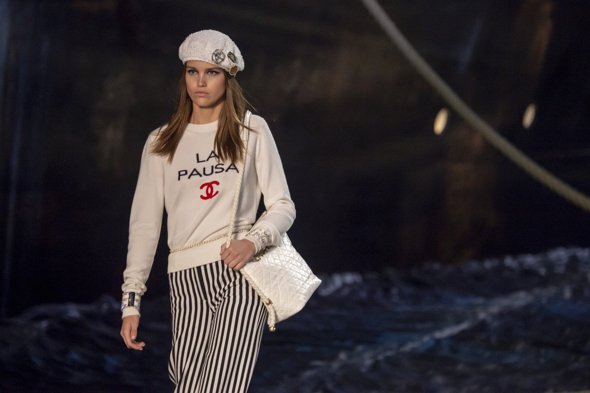 a9859c44652d 'La Pausa', the name of the CHANEL liner and Gabrielle Chanel's villa on  the French Riviera, appeared on sweaters, buttons, bracelets and bags in  the ...