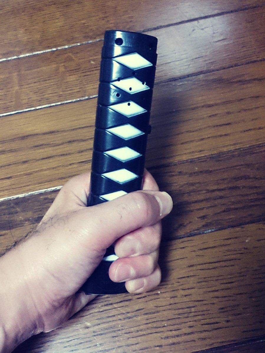 test ツイッターメディア - 殺陣。自宅練習用の刀。刃はありません!(笑)   自宅や営業のショー前に練習する用だから。  狭い場所でもOK!  #ダイソー  #刀剣  #おもちゃ https://t.co/hw6dxxnpwC