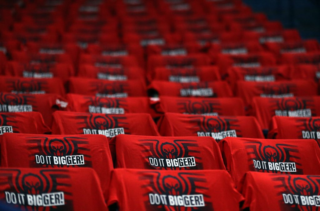 Game 4 shirts for fans thanks to @Zatarains! #doitBIGGER https://t.co/3p2ijQ3lWg