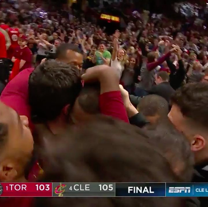 CLEVELAND, THIS IS FOR YOU!   @KingJames �� WINS GAME 3 AT THE BUZZER!!!   #NBAPlayoffs   #WhateverItTakes https://t.co/68RhFF6rzN