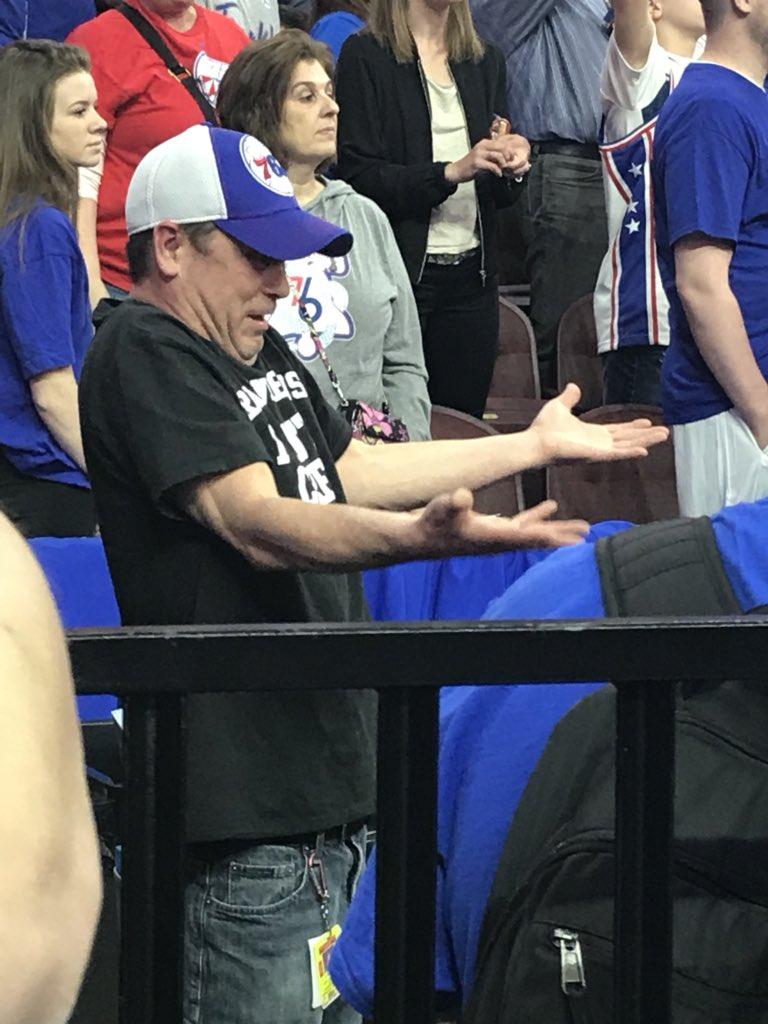 Philadelphia 76ers Confetti Guy Prematurely Lets Confetti