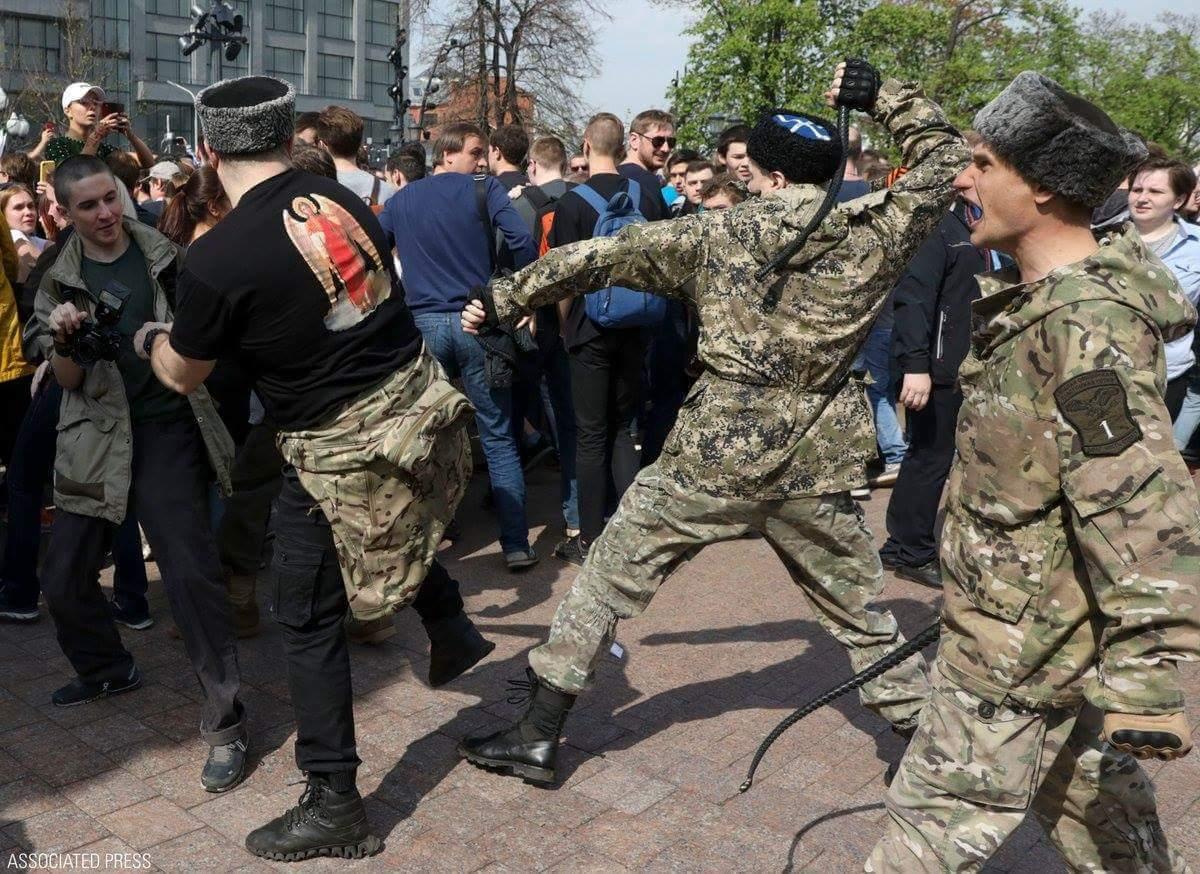 """Правительство Москвы финансировало """"казачье войско"""", которое нападало на протестующих, - российские СМИ - Цензор.НЕТ 7894"""