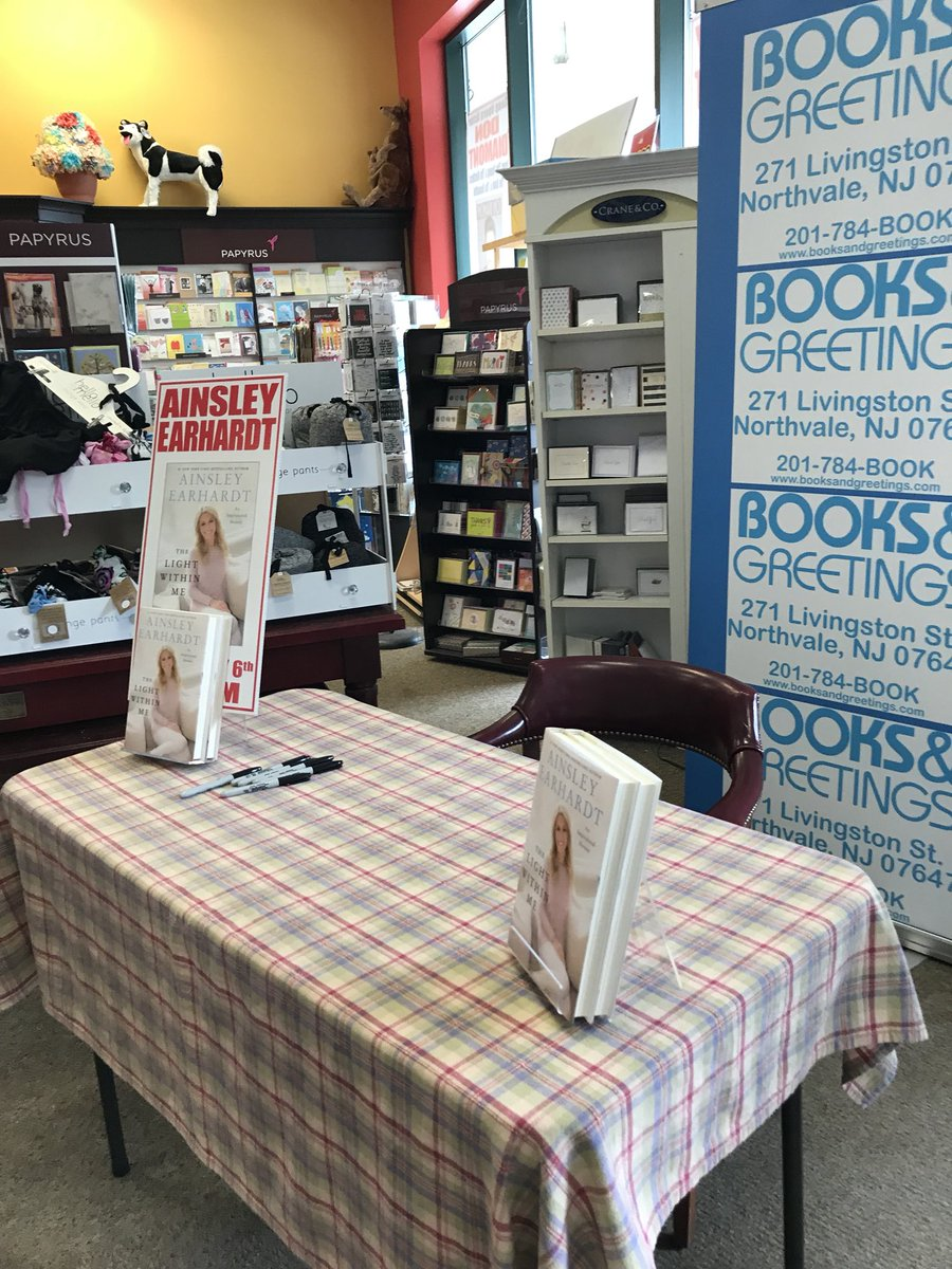 Books And Greetings On Twitter Ainsleyearhardt Incredible Event