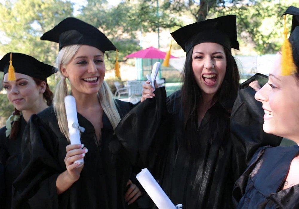 graduation-lesbian-until