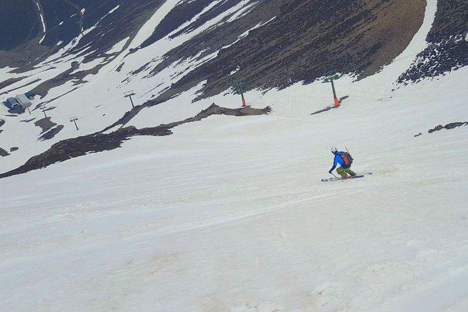 Primer fin de semana (de muchos, espero!) de esquí de montaña!! Bajando La Ese en Valdezcaray ⛰️☀️👍🎿