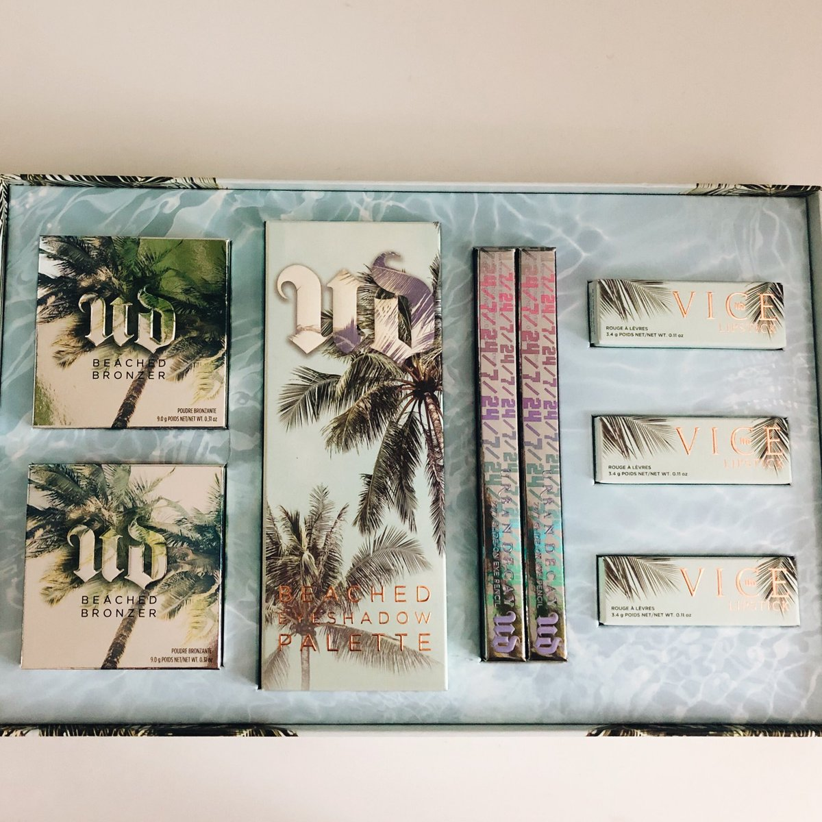 MAKEUP GIVEAWAY! The new Urban Decay Beached collection!! To enter, just follow me & RT this! 💕 Ends May 14th! 🌴