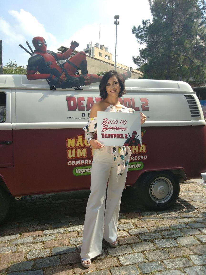 Batman que nada, aqui é Deadpool, p@rr4! Acompanhe tudo sobre a @missmorenab no Brasil com #DeadTourBR! #Deadpool2, 17 de maio nos cinemas. Compre agora: https://t.co/KyS7UIQuyN