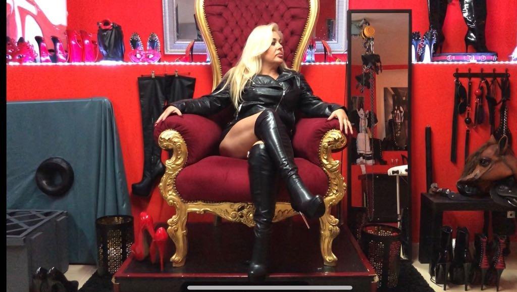 Erotic Femdom Fantasies Streaming Photo On Demand