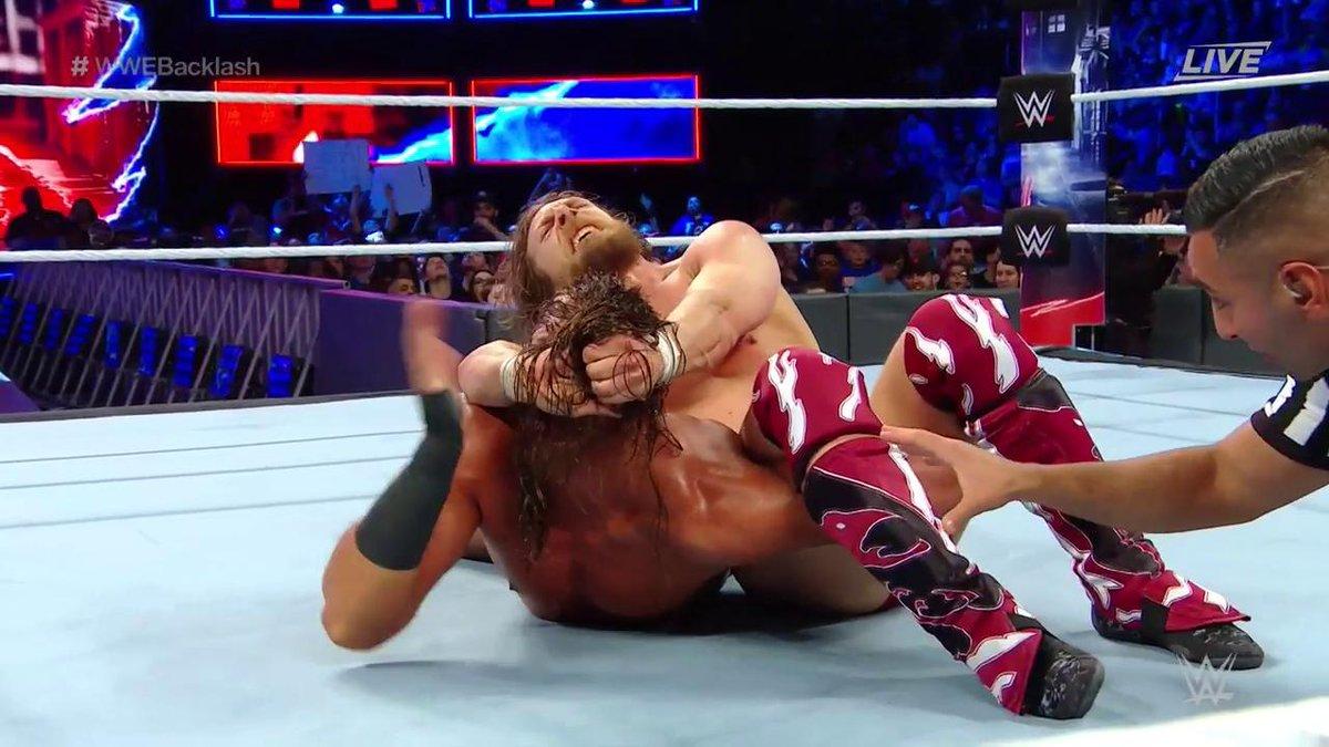 Big Cass vs Daniel Bryan
