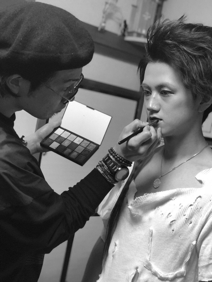 本日のオフショット📸  比嘉さんのアートメイクと、釘バットさんのバットを使って、折原みかさんと一緒に作品撮りしてきましたーーー✨  楽しかった😍  出来上がりお楽しみに❣️