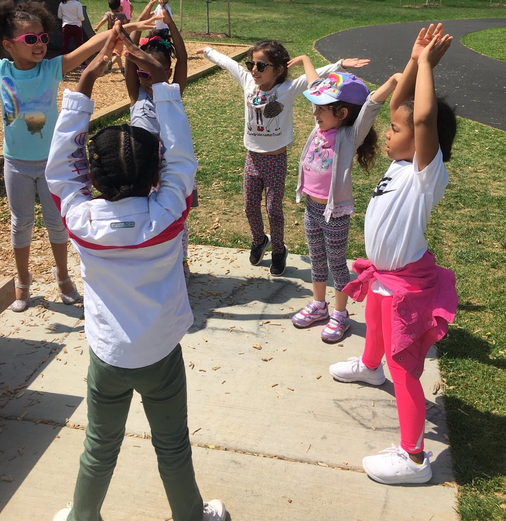 Caught some Pre-K students leading a yoga class at recess today! <a target='_blank' href='http://search.twitter.com/search?q=eatYOGAdrink'><a target='_blank' href='https://twitter.com/hashtag/eatYOGAdrink?src=hash'>#eatYOGAdrink</a></a> <a target='_blank' href='http://search.twitter.com/search?q=yoga'><a target='_blank' href='https://twitter.com/hashtag/yoga?src=hash'>#yoga</a></a> <a target='_blank' href='http://search.twitter.com/search?q=BeMindful'><a target='_blank' href='https://twitter.com/hashtag/BeMindful?src=hash'>#BeMindful</a></a> <a target='_blank' href='https://t.co/cCCgSkwz0j'>https://t.co/cCCgSkwz0j</a>