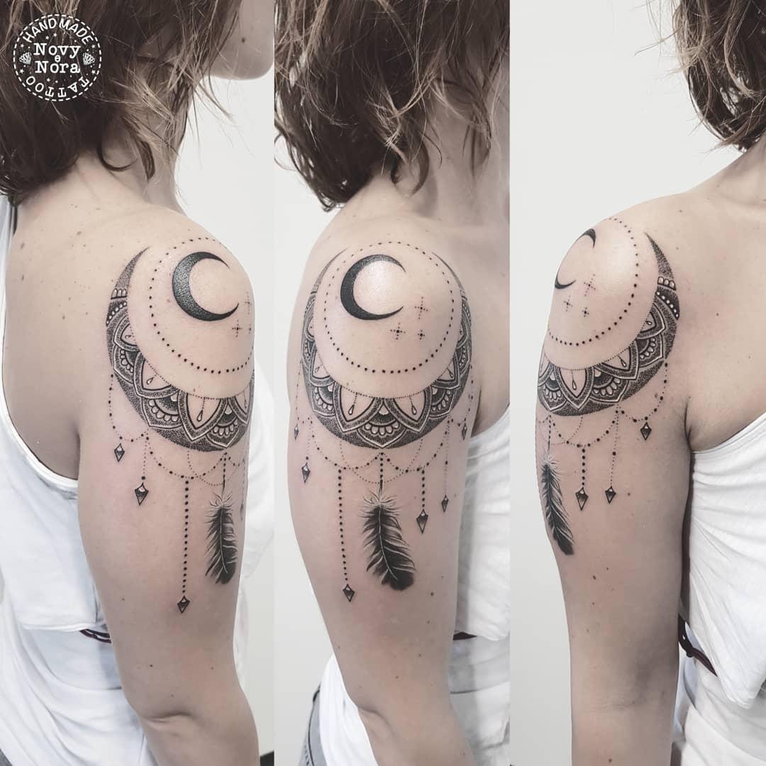 a198c0e69dace ... #luna #mandala #mandalaart #moonmandala #dotworktattoo #dotwork  #girlart #girltattoo #arte #art #inkart #tattooart #tattoo # handmadetattoostudio #carpi ...
