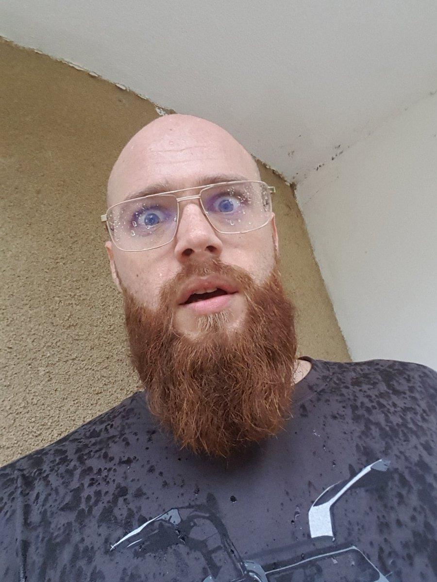 """snakou on twitter: """"fais attention à la barbe. elle va friser.… """""""