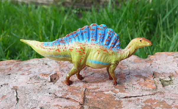 Dinotoyblog On Twitter Miniature Ouranosaurus By At Pnso2009 Https
