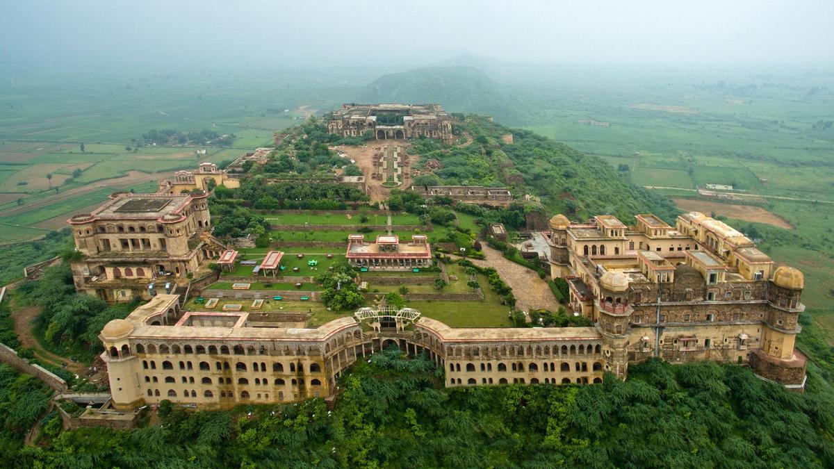 Tijara Fort, Alwar, Rajasthan Tijara, a small town in the Alwar