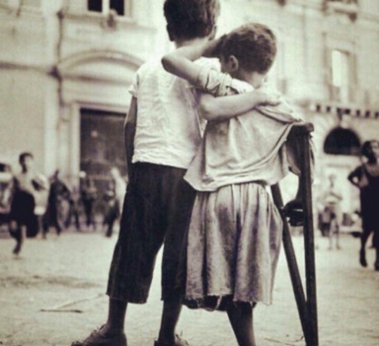 - ما واجب الصديق تجاه صديقه ؟! - أن لا يجعله يحتاج لأصدقاء جدد .. 😢😢😢😢 😢😢😢😢 😢😢😢😢 هذا امره ربي لا تخجل  من الناس 😢😢😢 😢😢😢 😢😢😢 😢😢😢 😢😢😢 😢😢😢