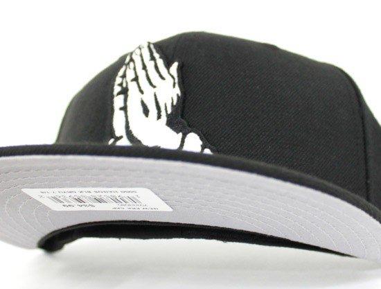 ... http   www.ecapcity.com praying-hands-new-era-59fifty-fitted-hat-gray- under-brim.html …  PrayingHands  Cali  LA  Losangeles  ECAPCITY   ParentalAdvisory ... 6250e611c